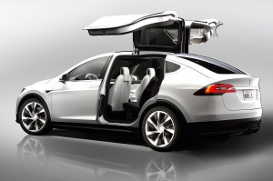tesla-model-x-concept-doors-open-rear-three-quarter-ebgONLB7oObzJ1n1NvM5MQ
